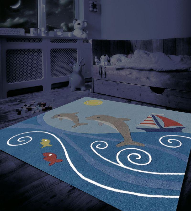 Este is világít fluoreszkáló gyerekszőnyeg