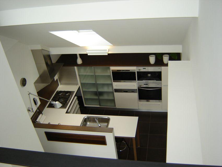 Egyedi tervezésű konyha Lókai Teréz lakberendező