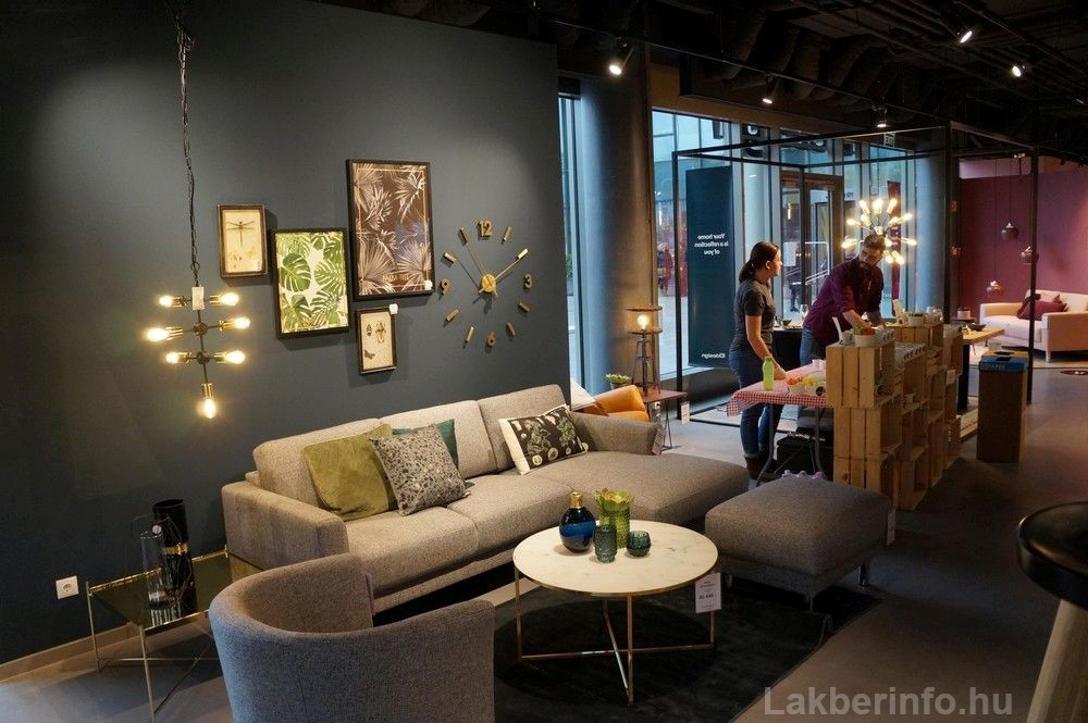 Új lakberendezési üzletet nyitott az IDdesign a Váci Cornerben kanapé, óra, dísztárgyak