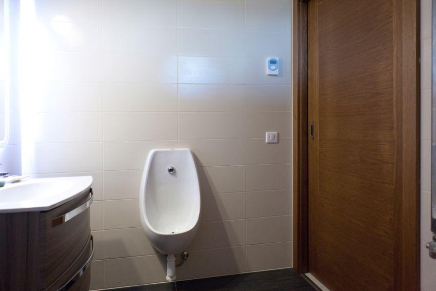 Ajtóház beltéri és tolóajtók fürdőszobába