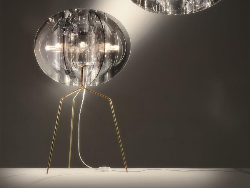 Slamp asztali lámpa üvegből és fémből