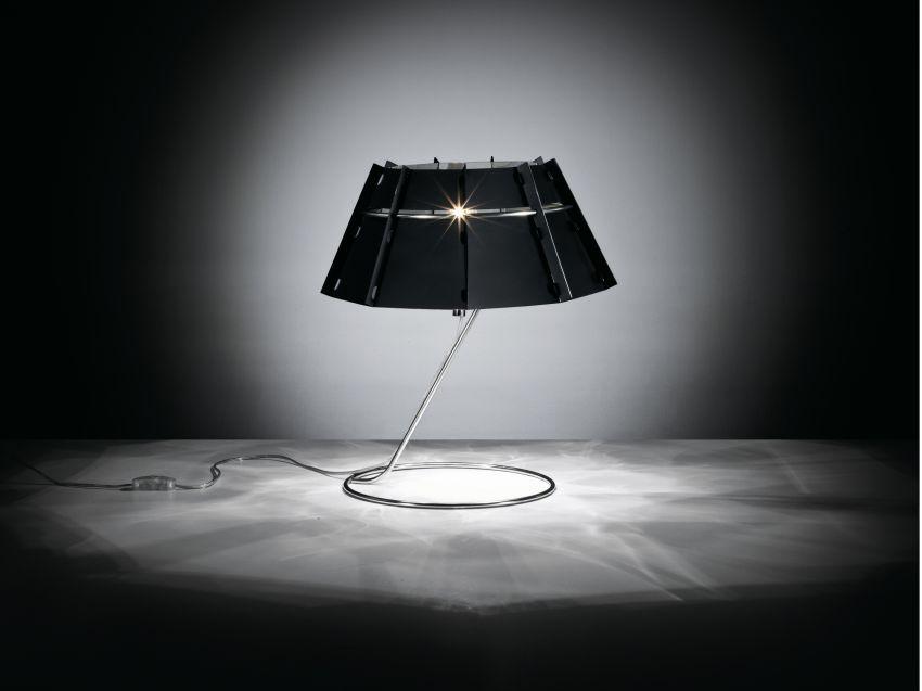 Lumiven asztali lámpa fekete ernyővel