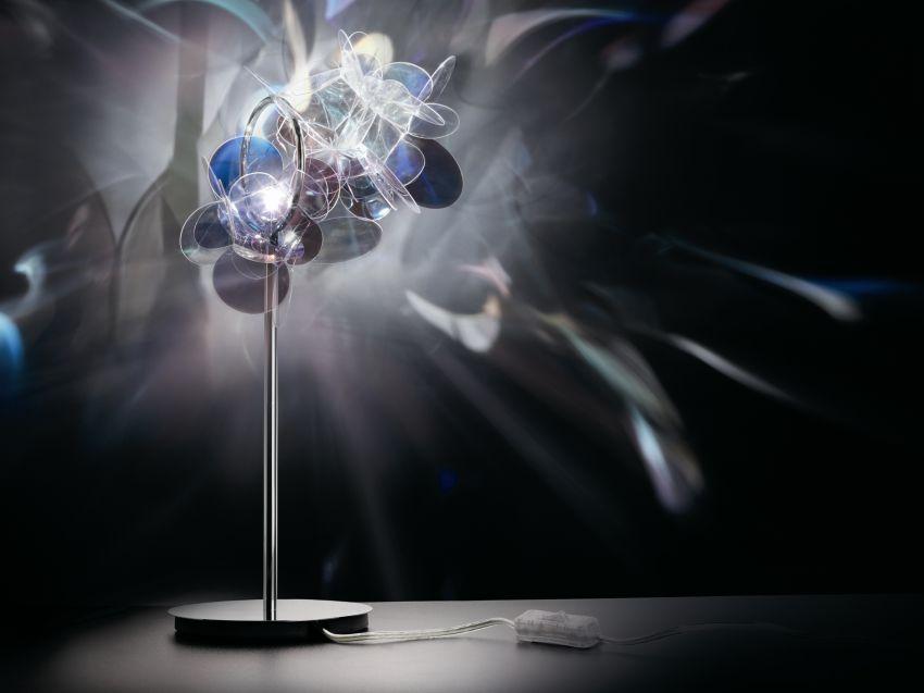 Slamp asztali lámpa