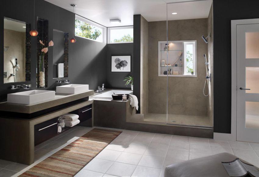 Modern fürdőszoba fürdőkáddal és zuhanyzóval