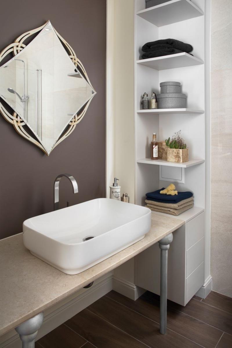 Szakos Andrea lakberendező fürdőszobai tükör