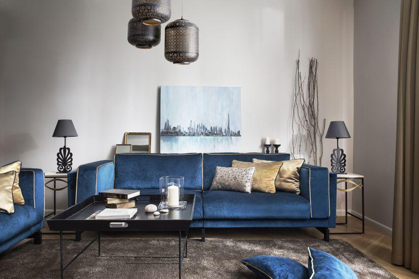 Szakos Andrea lakberendező kék kanapé