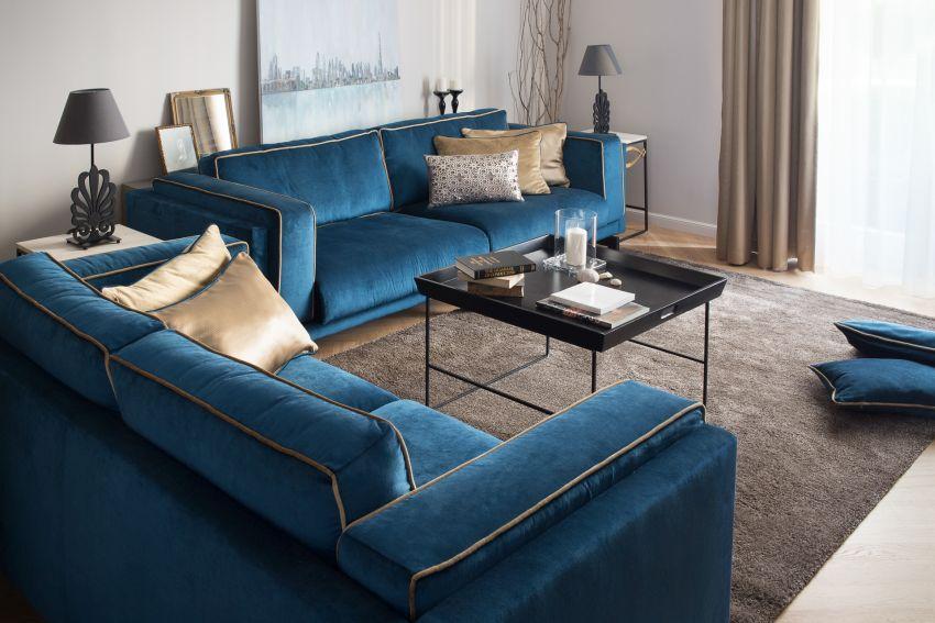 Szakos Andrea lakberendező kék ülőgarnitúra