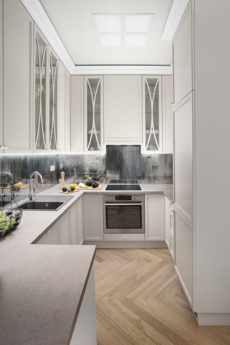 Szakos Andrea lakberendező modern-klasszikus konyha