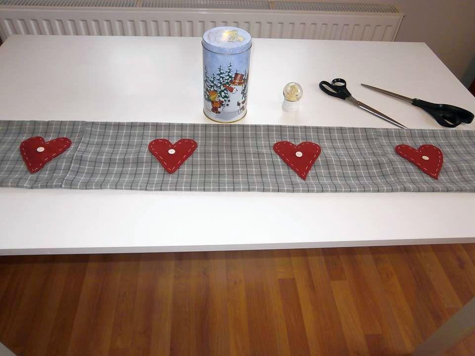 Huzatfogó ablakpárna varrása lépésről-lépésre csináld magad piros szívvel