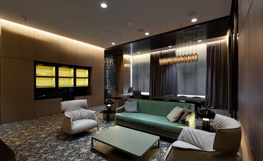 A YOD Design tervezésében luxus iroda design bútorok