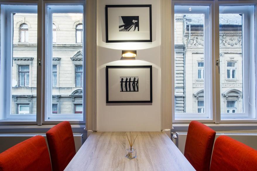 Képmegvilágítók étkezőbe