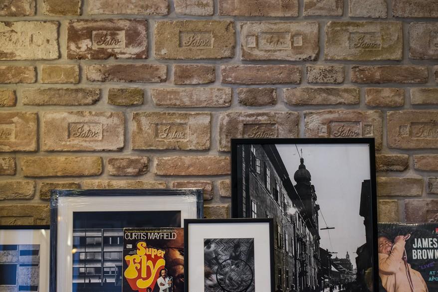 Lakásdekoráció képekkel, lemezekkel