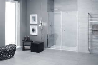Egyedi méretben rendelhető Calibe zuhanyzók, különleges ajtónyitási megoldásokkal