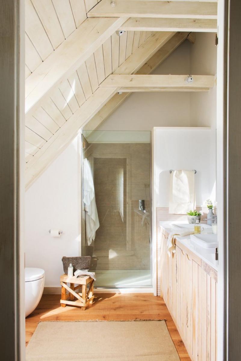 Tetőtéri fürdőszoba design