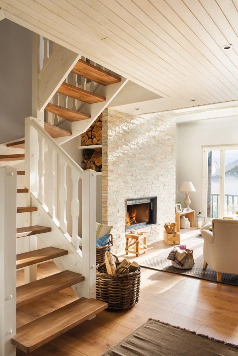 Kandalló mögötti lépcsőfeljáró