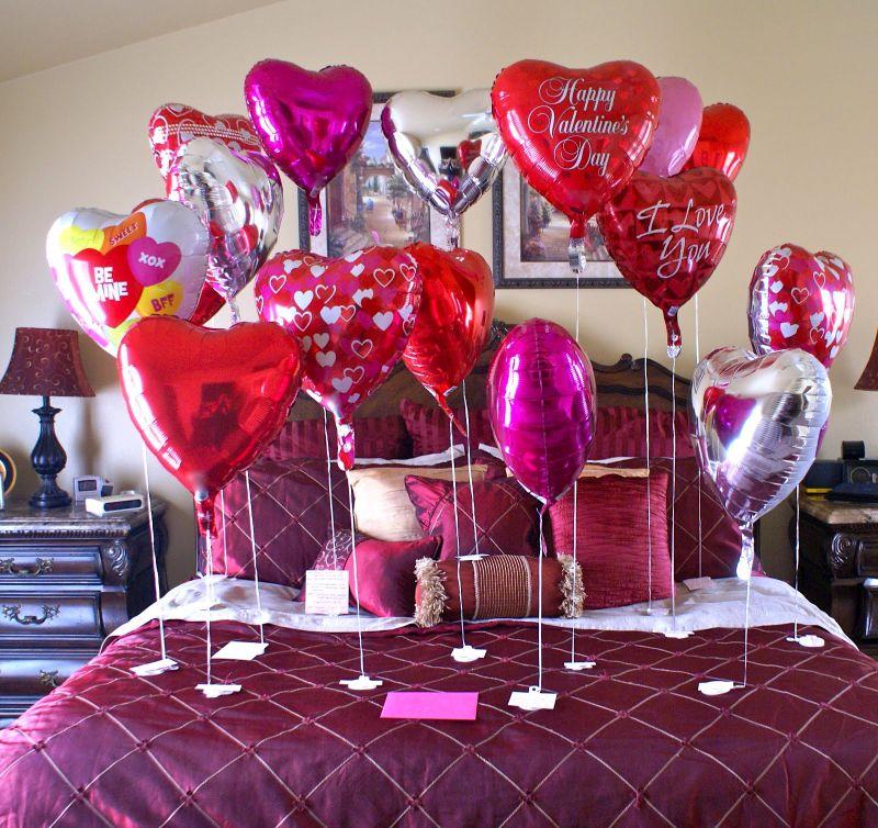 Lufidekoráció a hálószobában Valentin napi