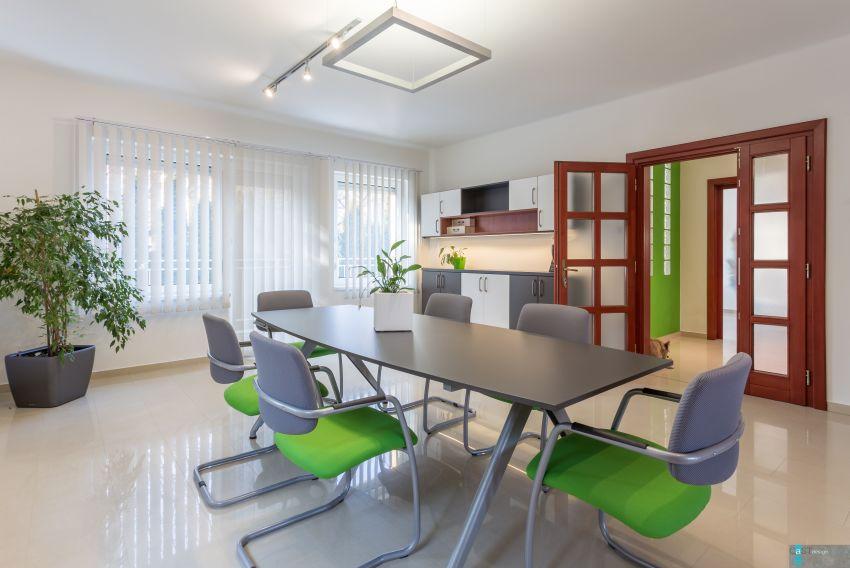 Családi házba tervezett irodát a Castdesign Szentendrén
