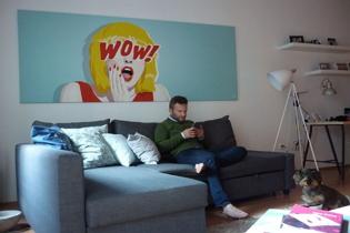 Fiatalos formabontó dekoráció - Pop art és képregény grafikák a nappalidba