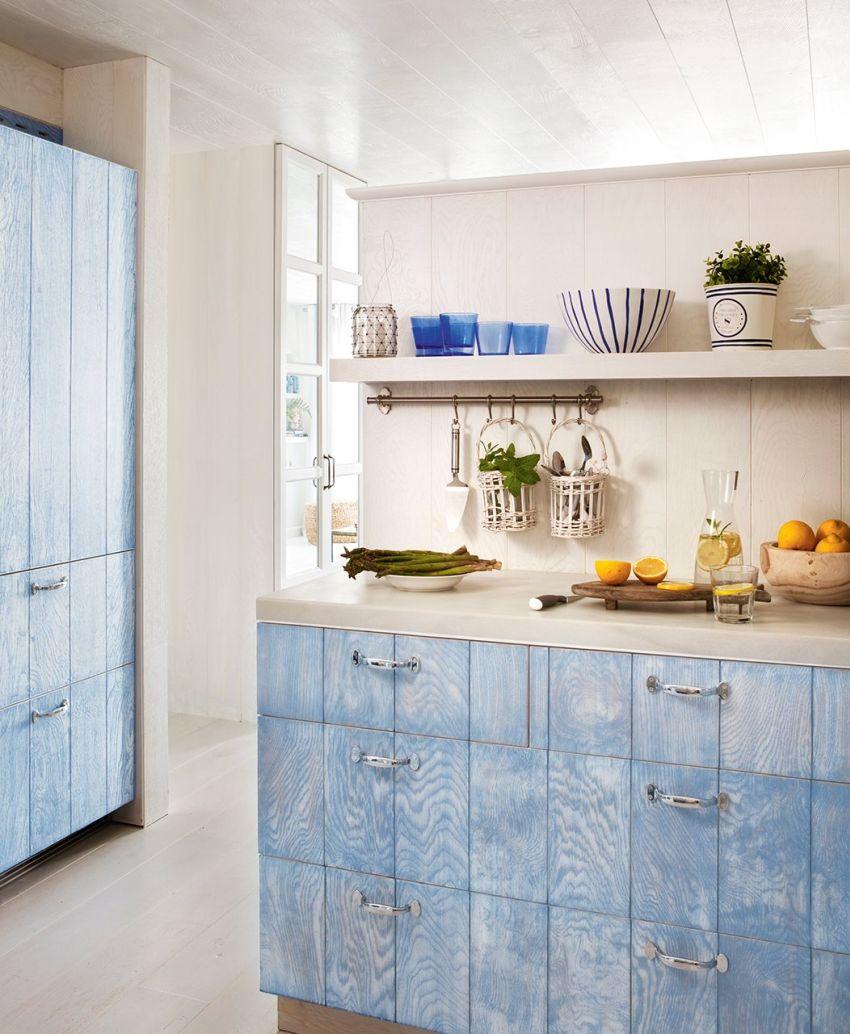Pácolt konyhafront kékban