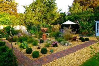 Így alakíts ki könnyen fenntartható, stílusos kertet