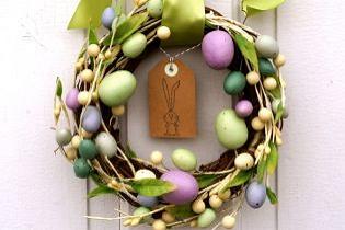 Húsvéti ajtódísz ötletek tavaszias színekben