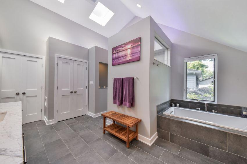 Nagy fürdőszoba lakberendezés