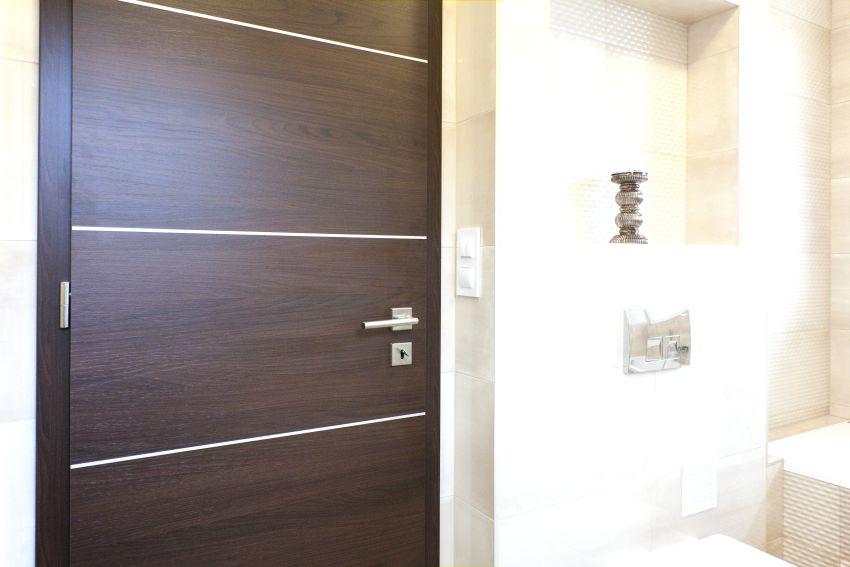 Acélbetétes fürdőszobai ajtó