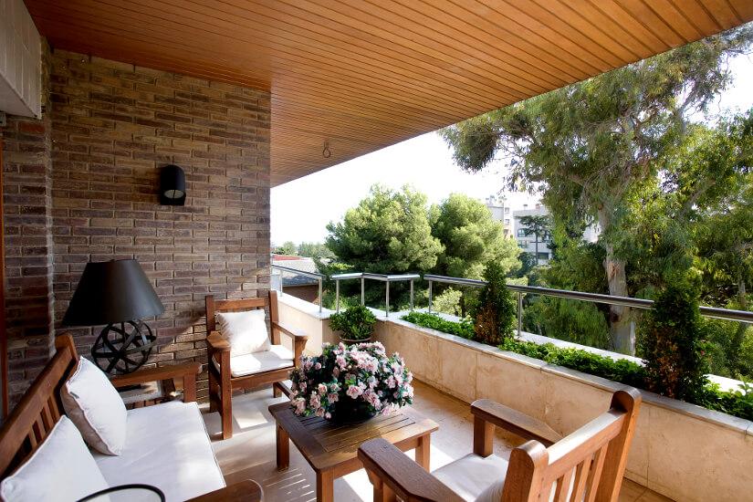 Bútorok a balkonon