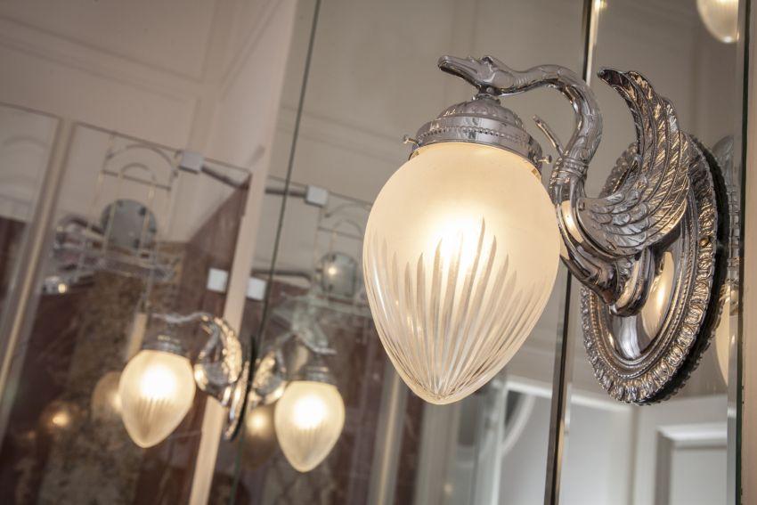 Új gyártású barokk lámpa ezüst