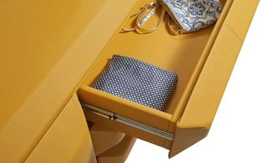 Egyedi bútorok extravagáns formákkal