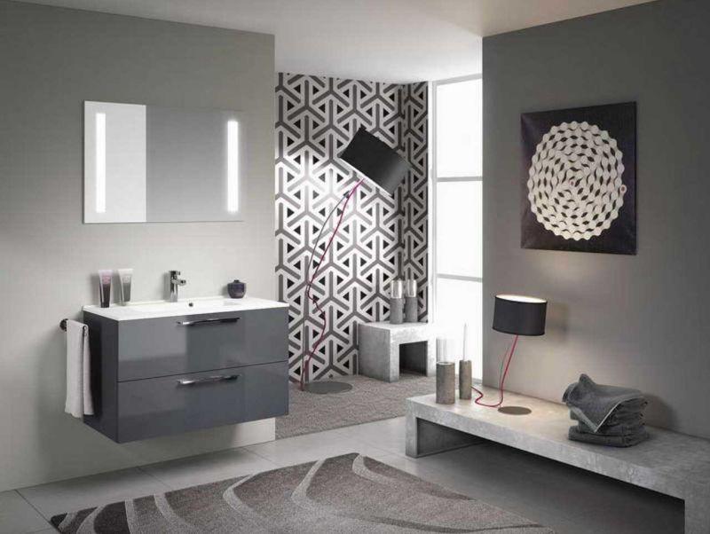 Különleges burkolat fürdőszobában
