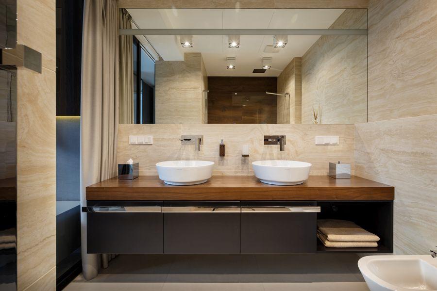 Modern fürdőszoba dupla mosdóval
