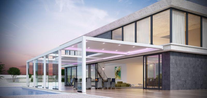 Bioklimatikus pergola házhoz építve