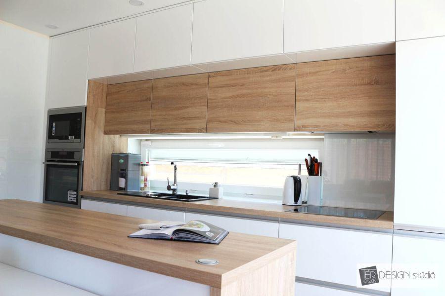 Sverha Nikolett formatervező, tértervező, lakberendező szigetes konyha