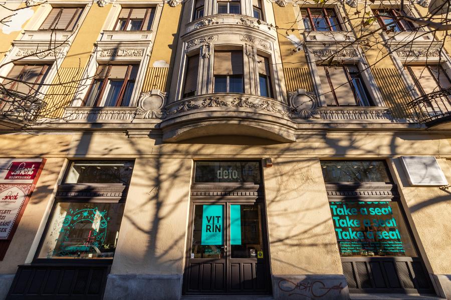Vitrin Budapest, design székek