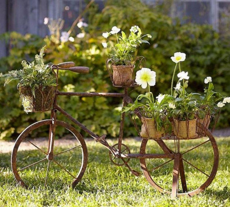 Kerti bicikli dekoráció