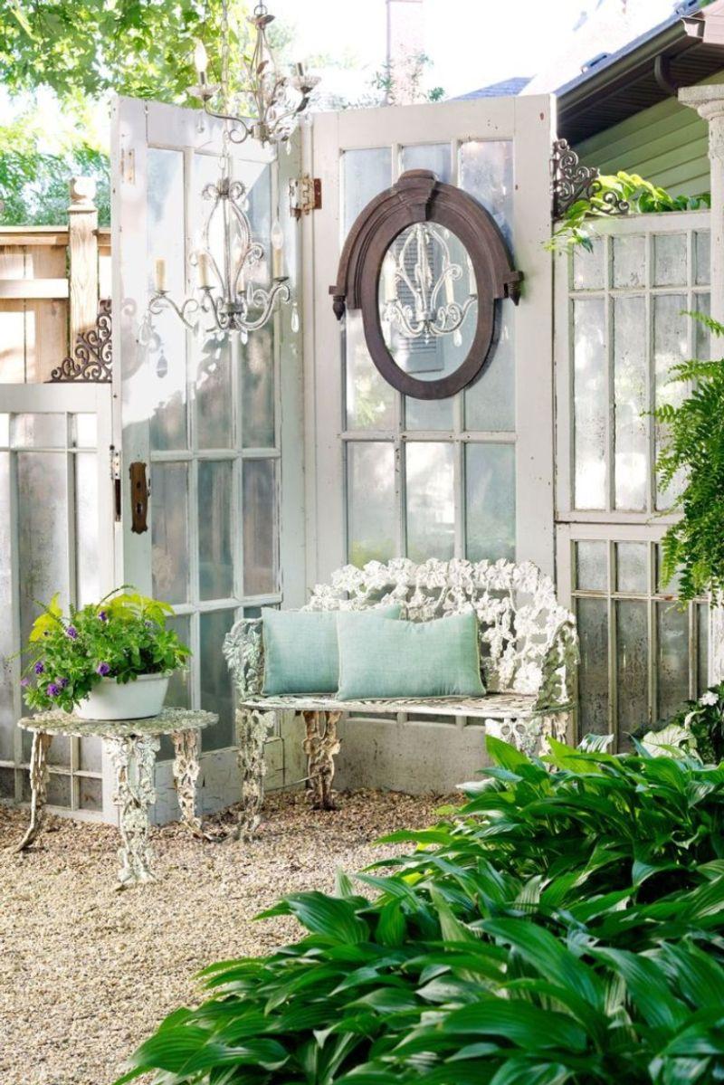 Vintage tükör, lámpa kertbe