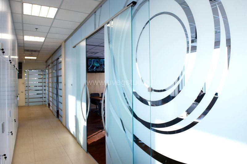 Dekorüveg irodai térelválasztó