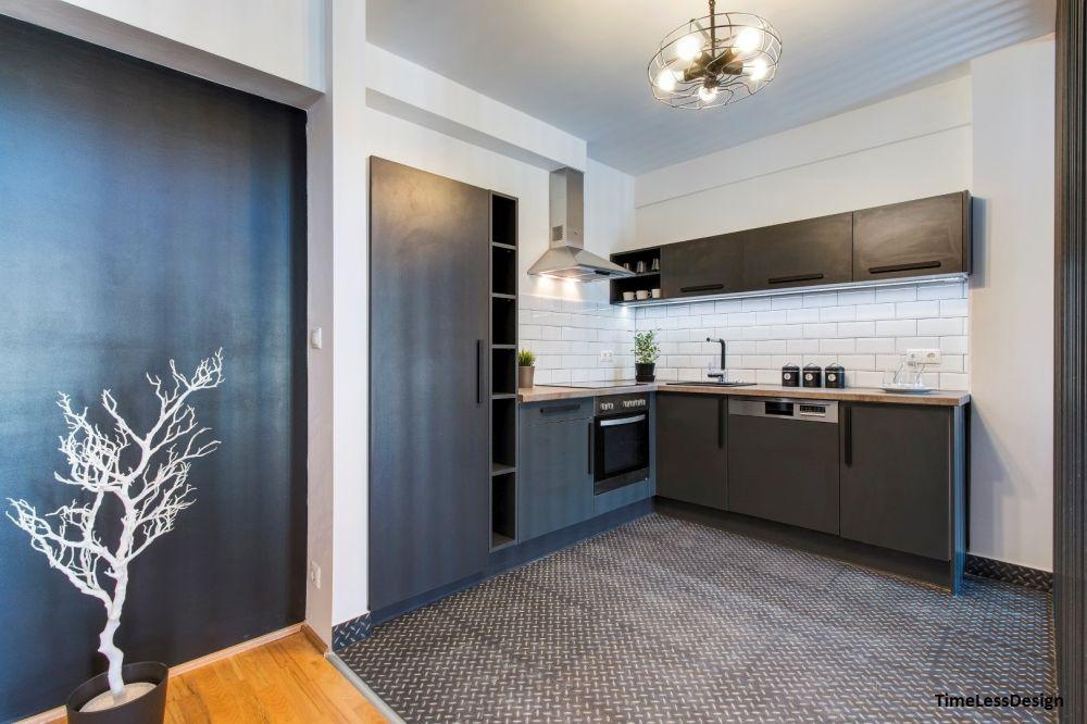 Grafitszürke modern konyha és fehér metró csempe