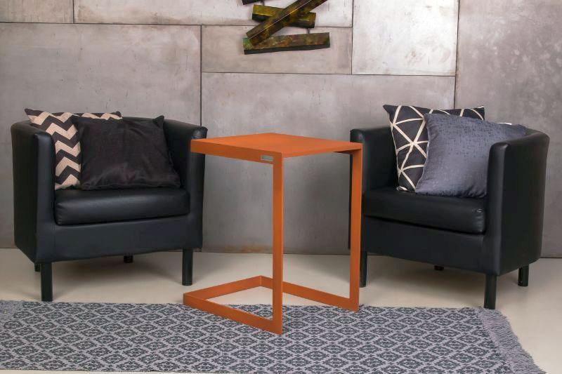 Beltéri fém design asztalka magyar tervezés