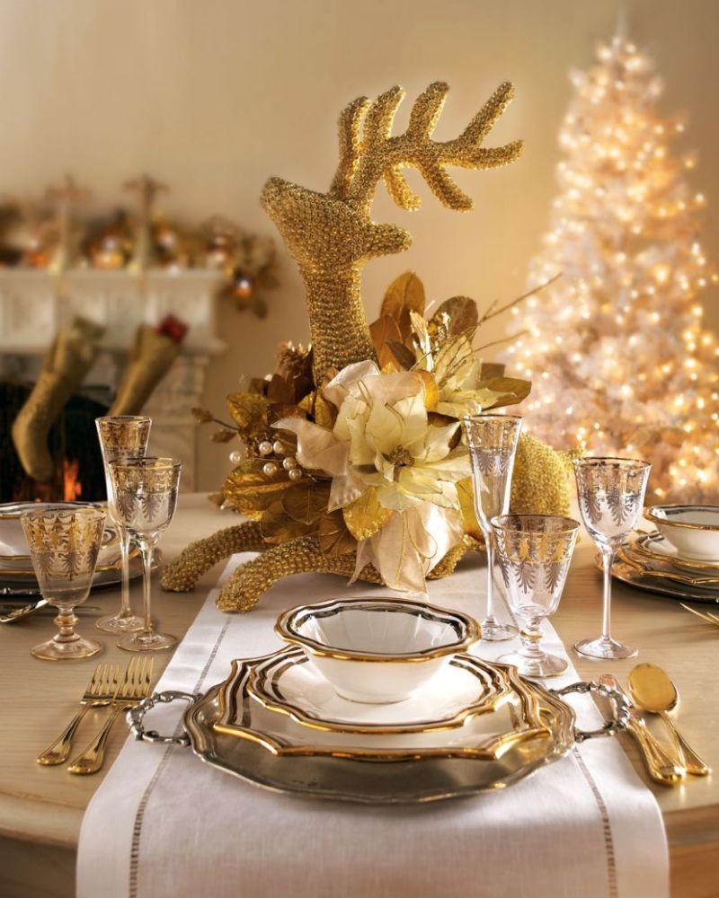 Arany asztaldekoráció karácsonyra