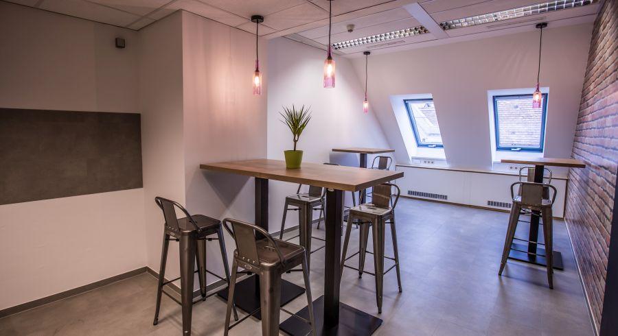 Ipari design bárszék az irodában