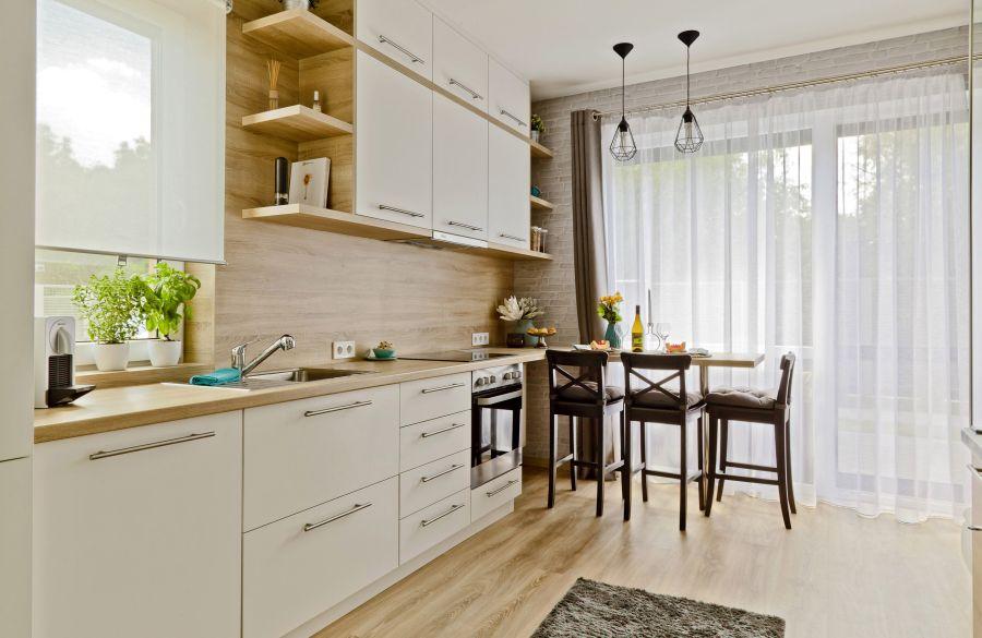 Igényes nagy konyha kis lakásban