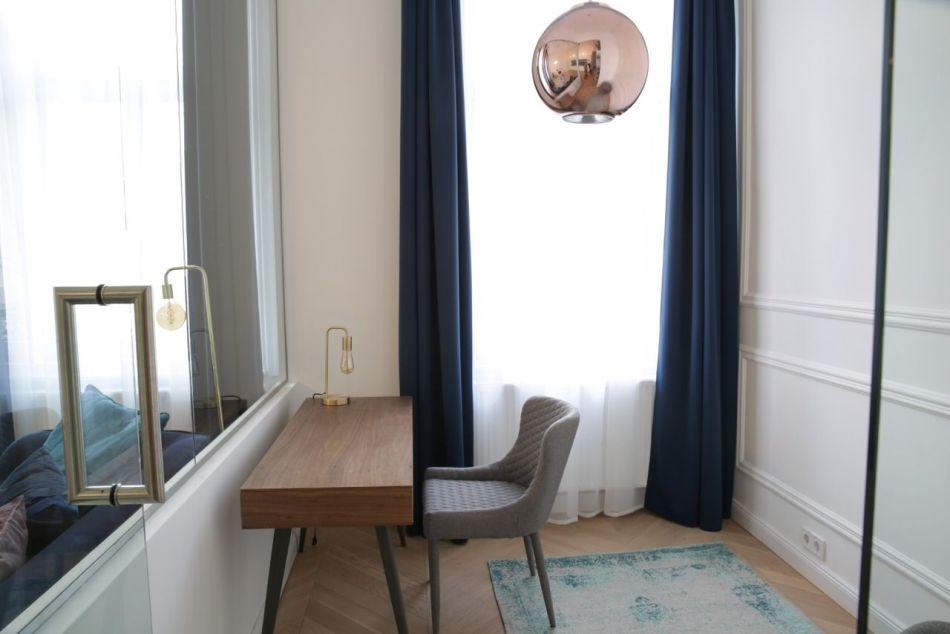 Íróasztal és szék Vakum Design