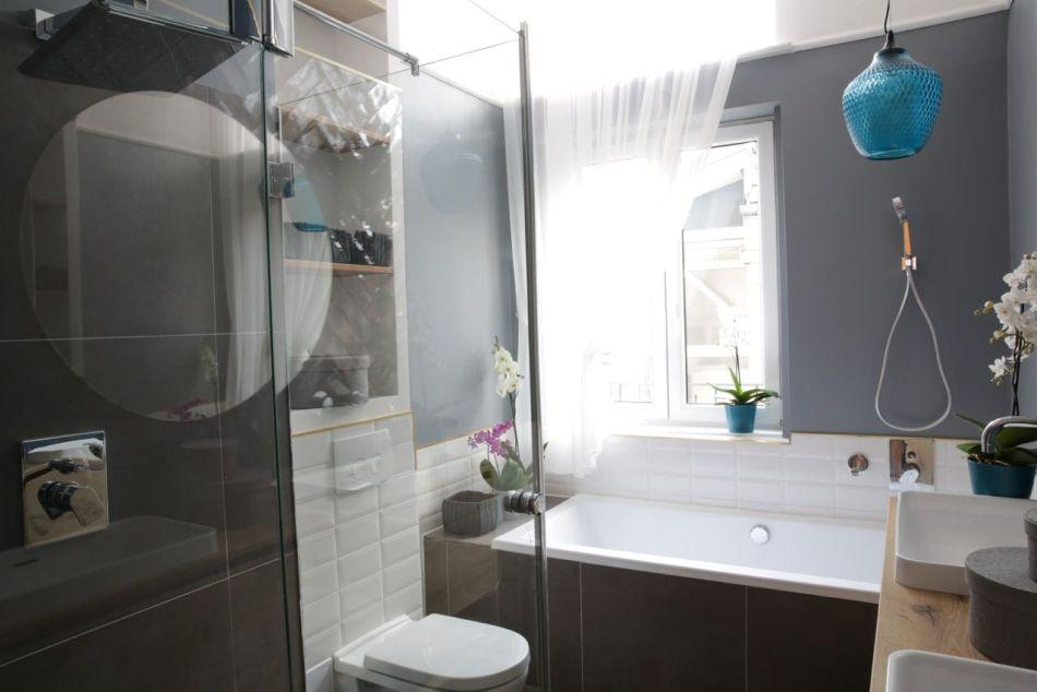 Fürdőszoba fehér metró csempével