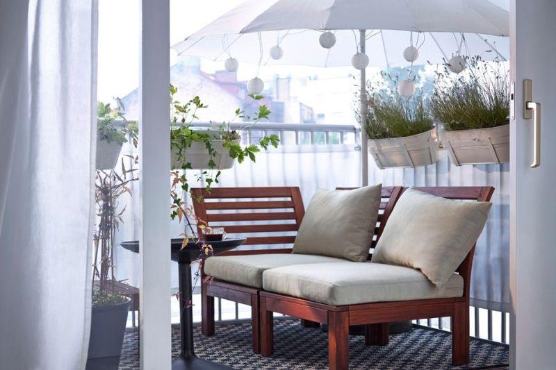 Balkon árnyékolás napernyővel
