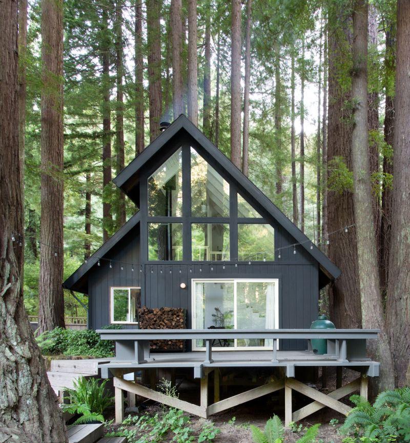Felújított erdei házikó