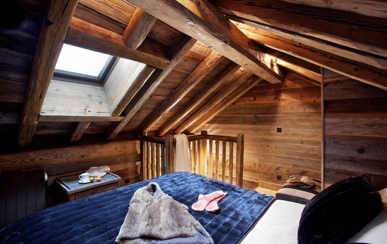 Tetőtéri vendégszoba kialakítása