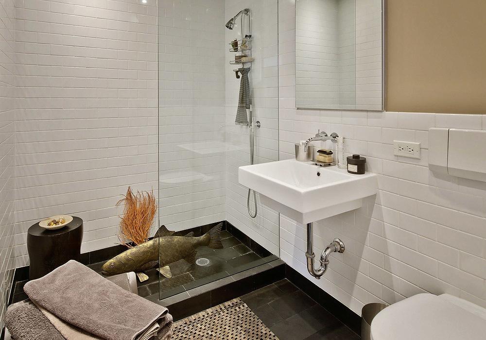 Világos letsuztult fürdőszoba design