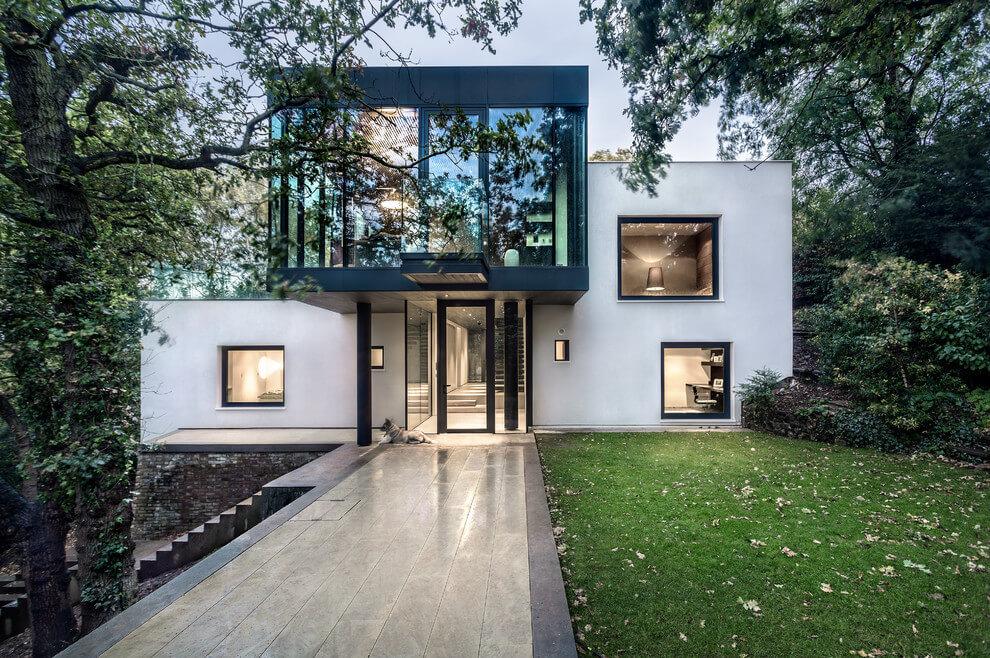 Modern ház London határában